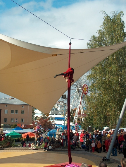 Ilma-akrobaatti_Seija_Pitkänen_H9430_C